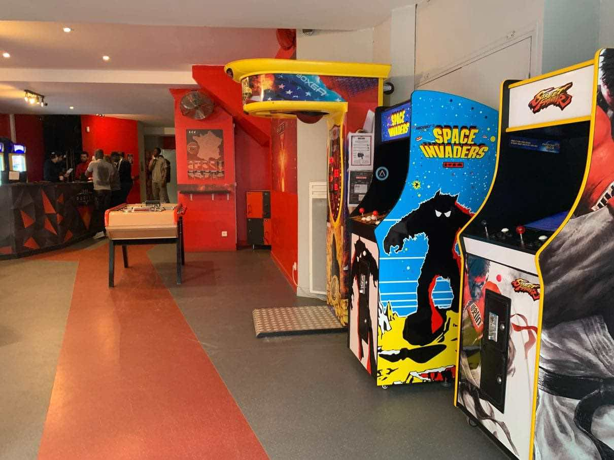location-borne-arcade-space-invaders-loc-arcade