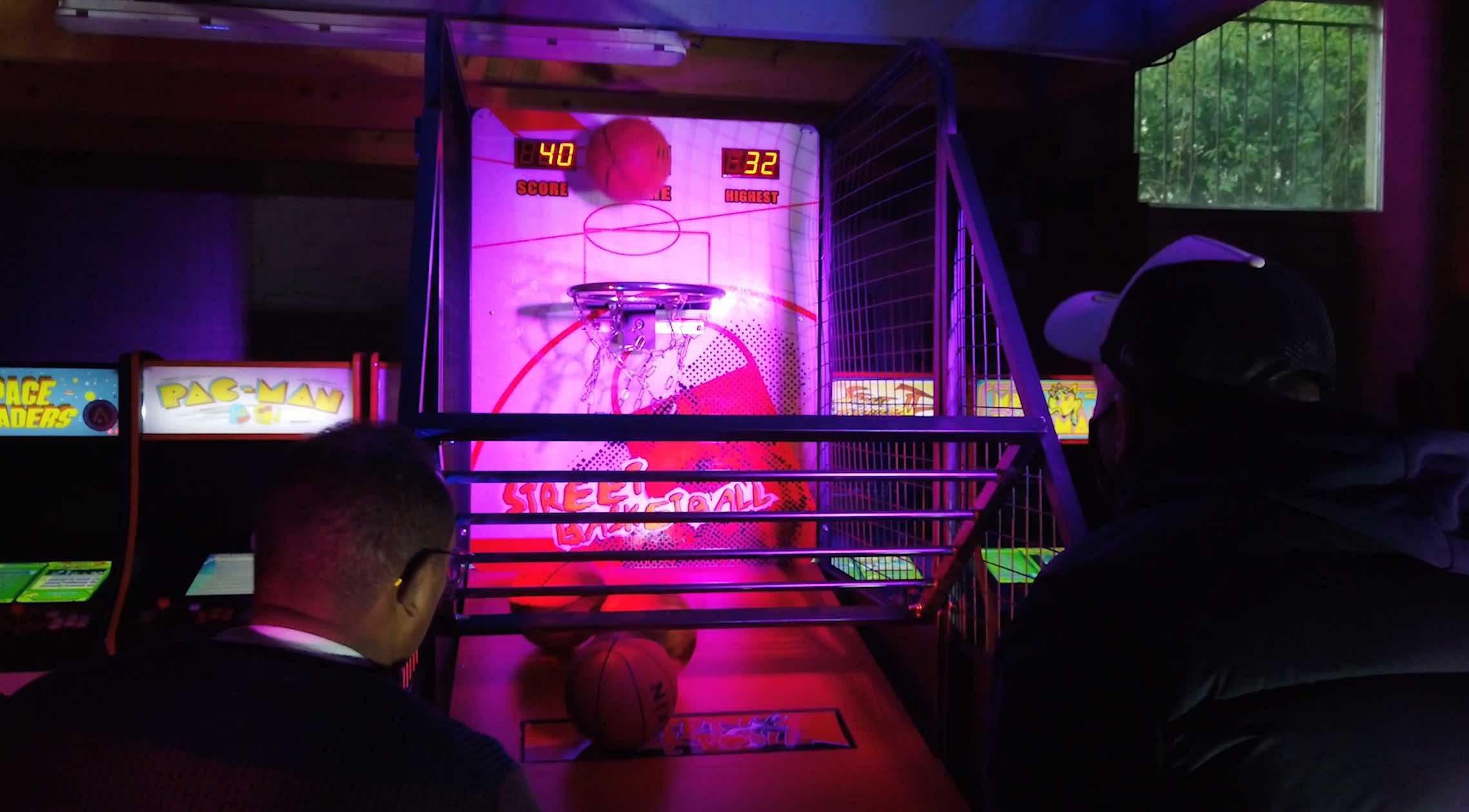 Location arcade street basket 53 4
