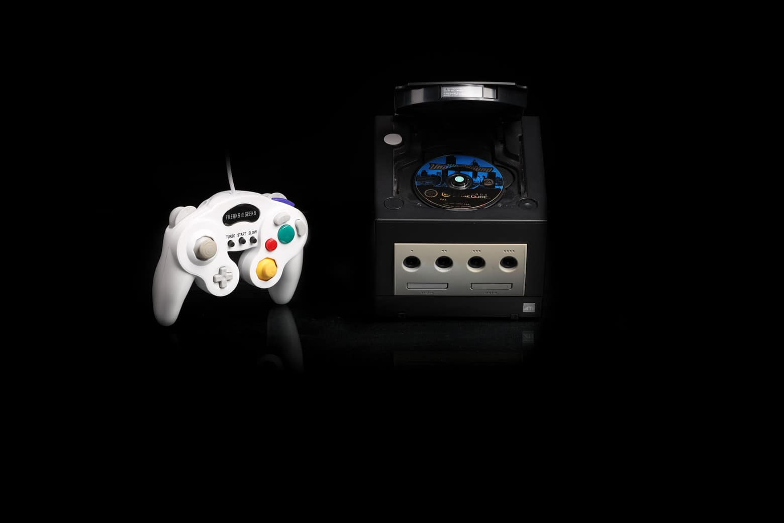 location-console-retro-game Cube 1-nano